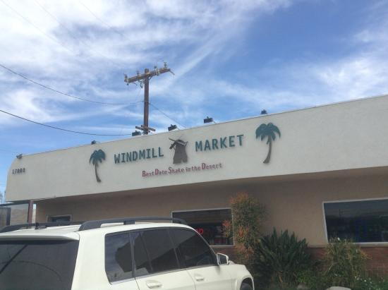 Windmill Market and Produce : Sign