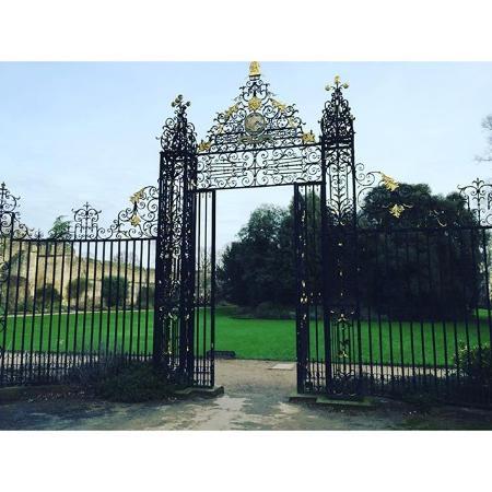 New College: Ажурные ворота