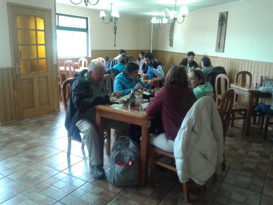 Patagonia food: Nuestros clientes disfrutando un buen momento