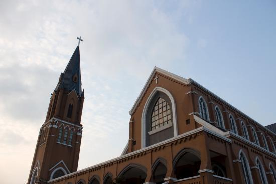 Church near Dushu Lake