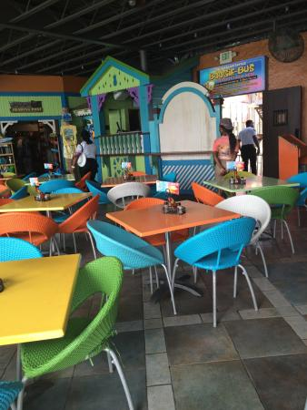 Jimmy Buffett's Margaritaville: Margaritville - during the day! At night the tables are removed & turned into a club!