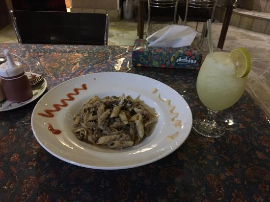 Cafe Irani: Roast beef pasta with lemonade