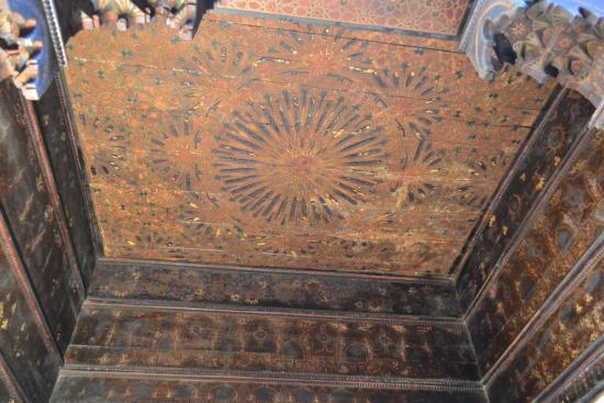 Musee de Mouassine: ceiling inside