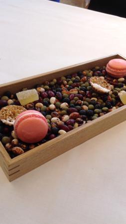 Ginza L'Ecrin: Apple jelly macaroon