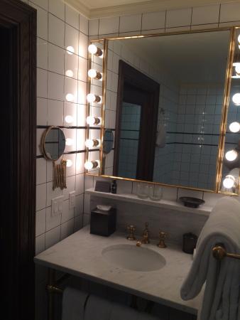 The Ludlow New York City: Ludlow Double suite bathroom