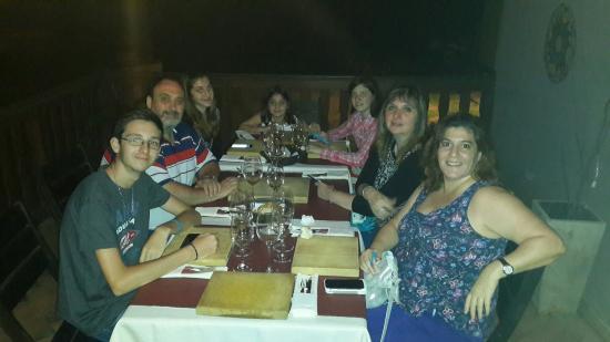 Фотография La Candelaria Carnes y Vinos