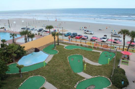 Miniature Golf Course At The Fountain Beach Resort