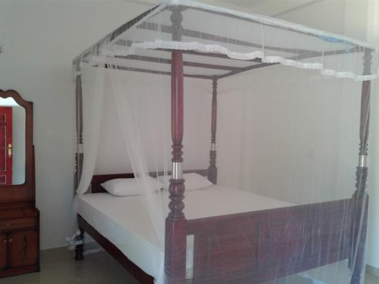 Family Guest House: king room