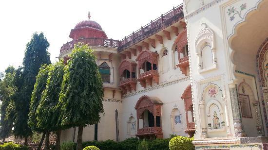 Hammeer Garhi Heritage Resort