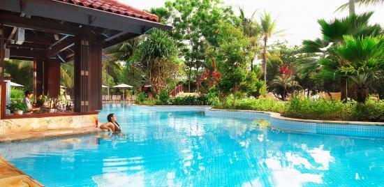 Bintan Lagoon Resort: Main Swimming pool at BLR
