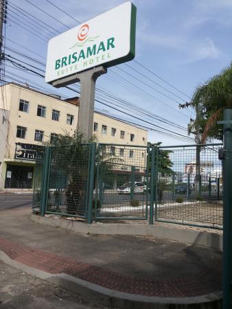 Brisamar Suite Hotel: Entrada/saída do hotel