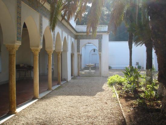 Ext rieur de la villa picture of villa abd el tif for Exterieur villa