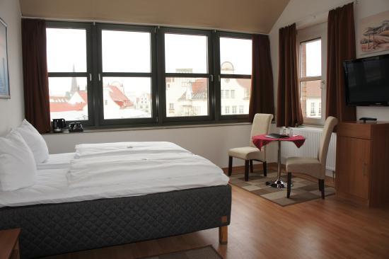 garni am hopfenmarkt hotel rostock tyskland hotel anmeldelser sammenligning af priser. Black Bedroom Furniture Sets. Home Design Ideas