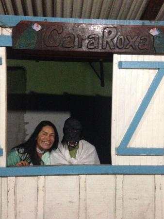 Guaraquecaba, PR: No carnaval as pessoas usam máscaras de monstros