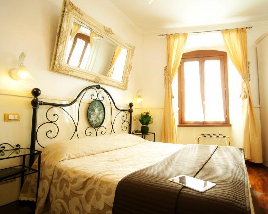 Le Suite di Via Ottaviano: Deluxe Room