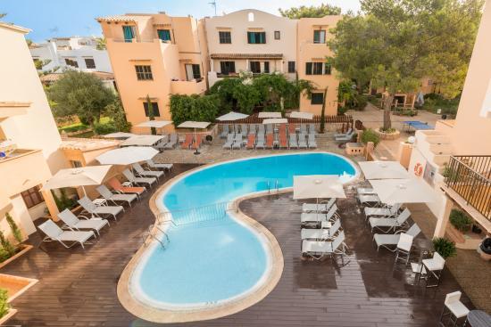 Playa Ferrera Apartments Pool