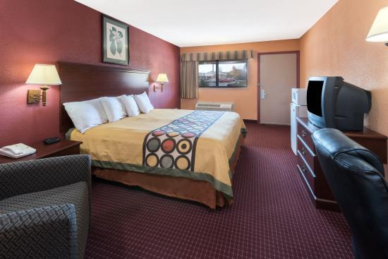 斯特朗威爾速 8 飯店張圖片