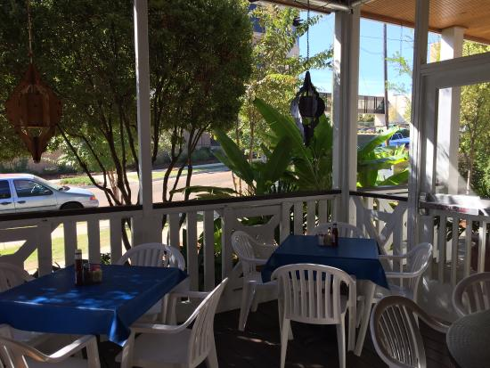 Keifer's Restaurant : Front patio