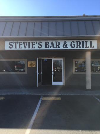 Stevie's Bar & Grill