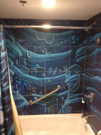 shower bath tub picture of disney s art of animation resort rh tripadvisor com
