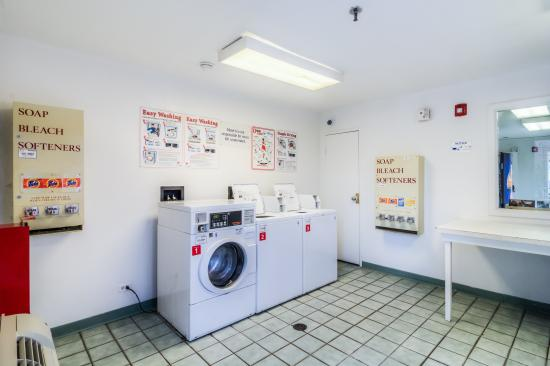 laundry picture of motel 6 chicago elk grove elk grove village rh tripadvisor com