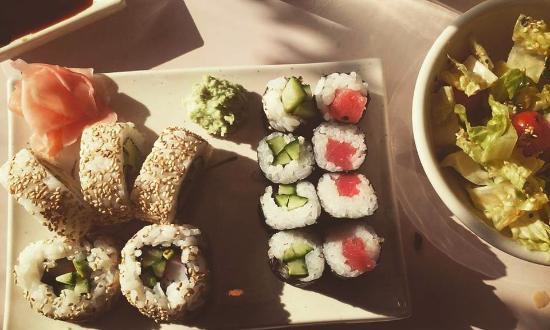 Zen House: sushi sampler and garden salad