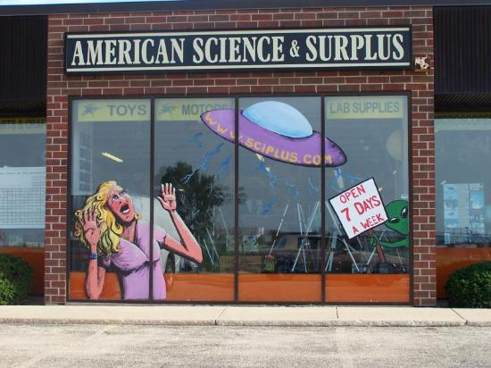 Geneva, IL: Welcome to American Science & Surplus!
