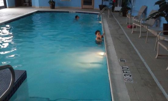 Pool - Holiday Inn Express Cleveland-Richfield Photo