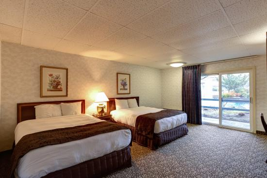 Shilo Inn Hotel & Suites - Beaverton: Double Queen