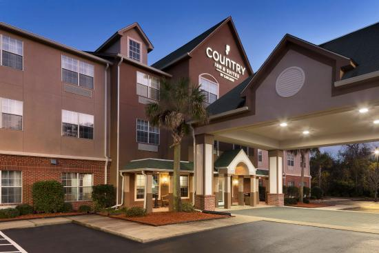 Country Inn & Suites By Carlson, Brunswick I-95 : BRGAExterior