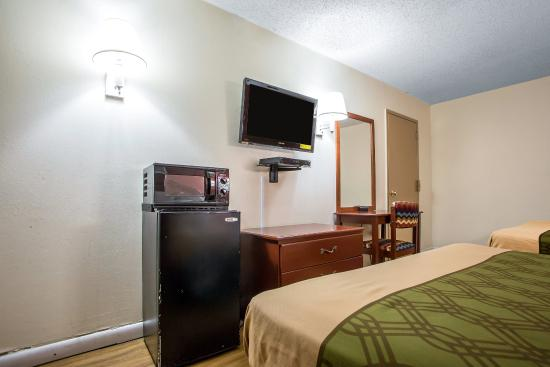 Econo Lodge Fort Lee: Guest room