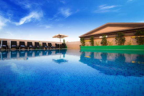 Golden tulip al barsha dubai united arab emirates hotel reviews photos price comparison for Dubai airport swimming pool price