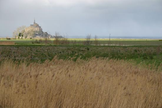 le mont vu du parking picture of abbaye du mont michel