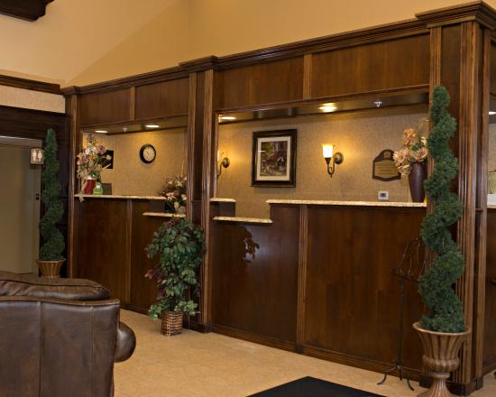 BEST WESTERN PLUS Grand-Sault Hotel & Suites: Lobby