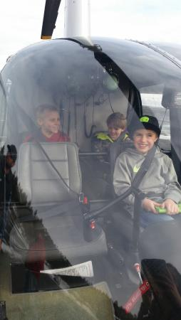 South Lake Tahoe, Kalifornien: The boys getting ready for take-off