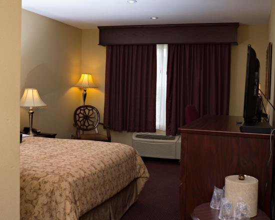 BEST WESTERN PLUS Grand-Sault Hotel & Suites: Traditional Room