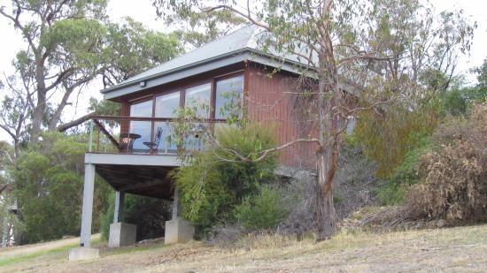 Kangaroo Ridge Retreat: The cabin
