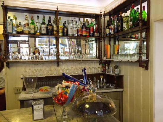 Rosa Salva - SS. Giovanni e Paolo: bar