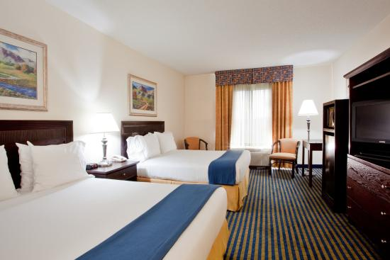 Holiday Inn Express Chesapeake: Queen Bed Guest Room