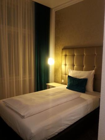 Queensize Bett Picture Of Motel One Wien Staatsoper Vienna