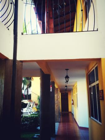 Hotel Isolina Beach: Aire Fresco desde nuestros pasillos!!