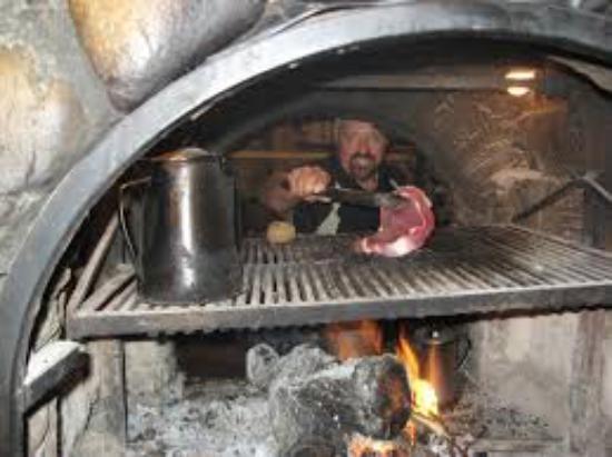 La Estancia Steak House: Excelente platillos bien servidos a la leña y mi preferido machaca de venado.