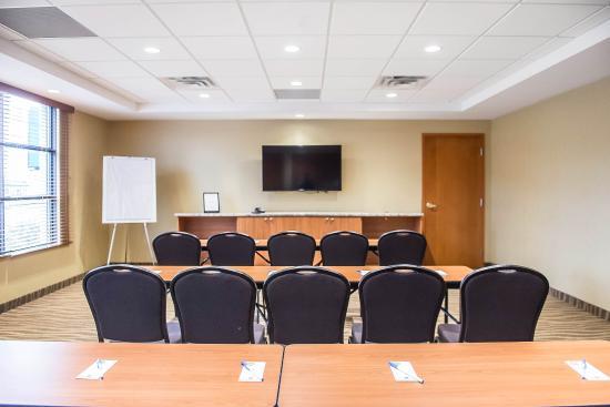 كومفرت إن بروكفيل: Meeting room with theater-style setup