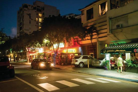 BEST WESTERN PLUS Condado Palm Inn & Suites: Street