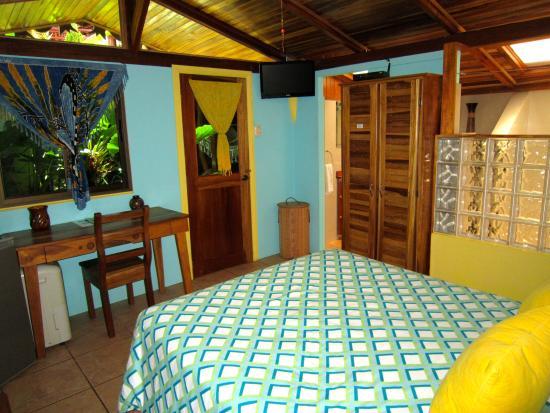 Physis Caribbean Bed & Breakfast: Honeymoon Suite