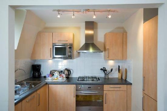 Oakwood St. Johns House: Kitchen