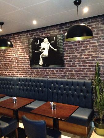 Jennys Place Cafe & Eatery