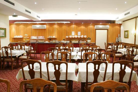 Hotel Tabor : Breakfast Room
