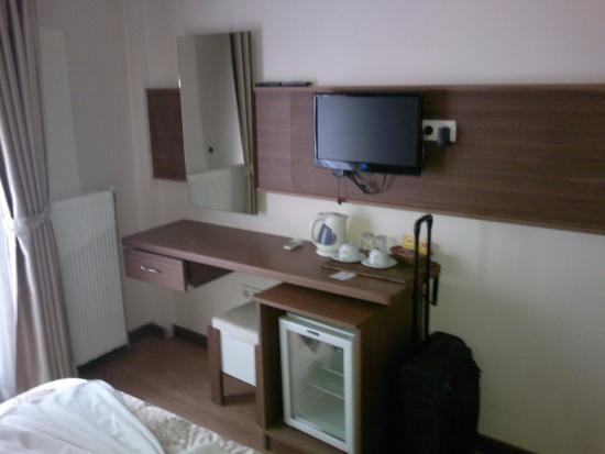 Flower Palace Otel: room