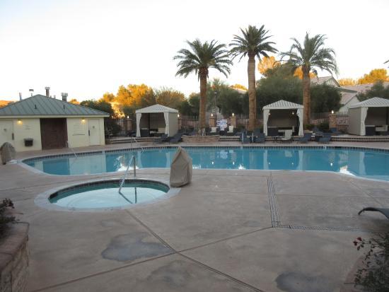 Eureka Resort Pool And Hot Tub